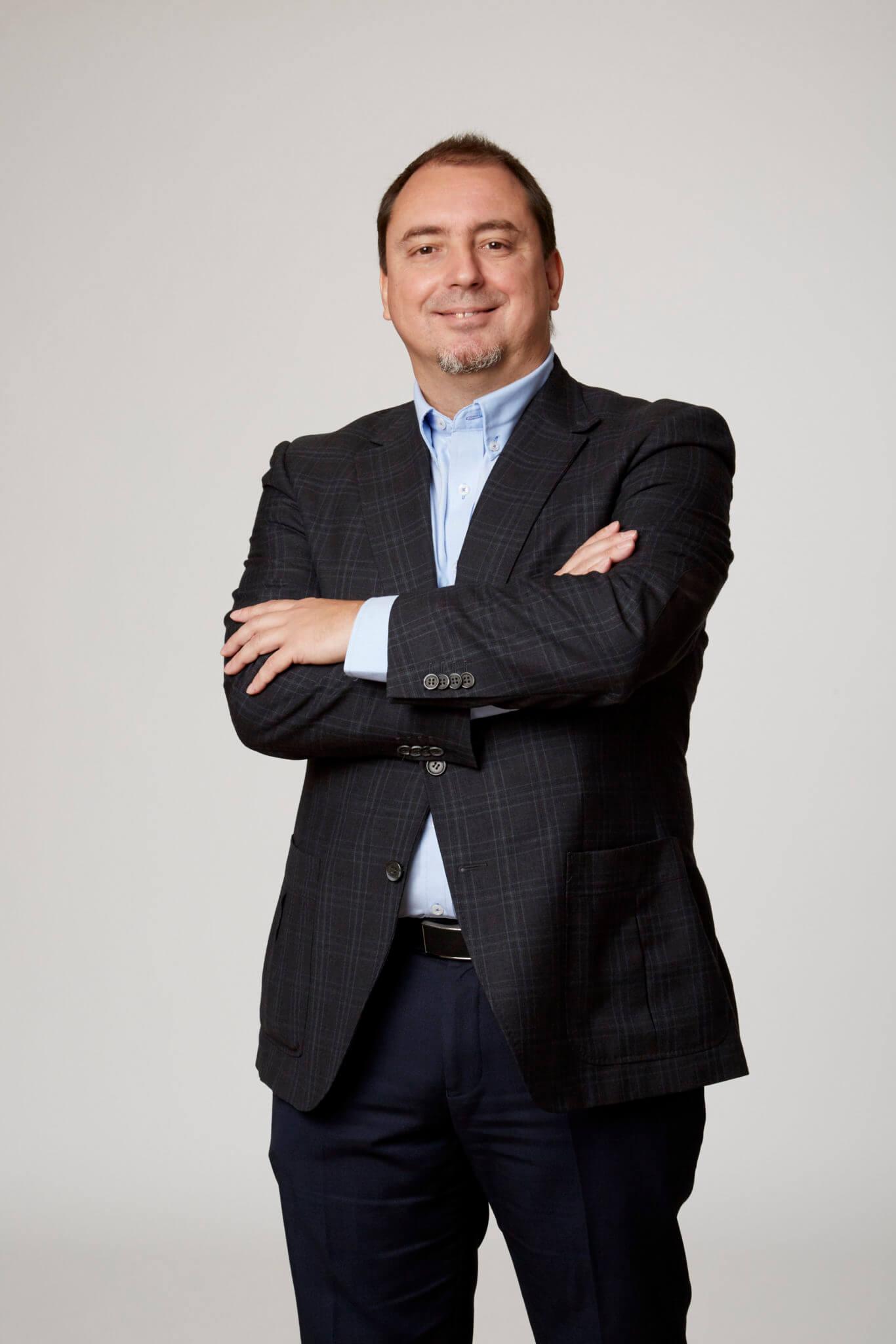 César Riaño Bumok